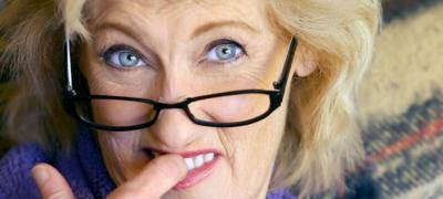 Hоroskop za svekrve: Bik gura nos u sve, a Strelac obožava da ogovara