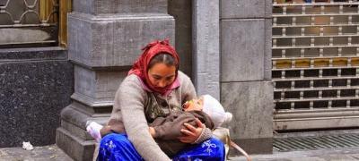 Zašto deca u rukama prosjaka stalno spavaju?
