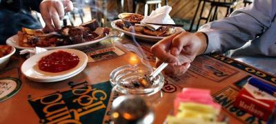 Nema više pušenja ni u grčkim kafićima