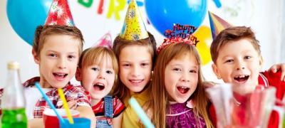 """""""Srećan 2. rođendan zlato moje, mama te voli do neba"""", zbog čega ovakve čestitke na Fejsbuku?"""