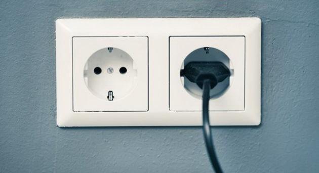 5-uredaja-koji-trose-struju-cak-i-kada-su-iskljuceni-01.jpg