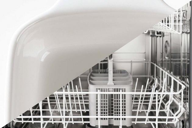 9-stvari-koje-nikada-ne-treba-da-stavljate-u-masinu-za-pranje-sudova-02.jpg